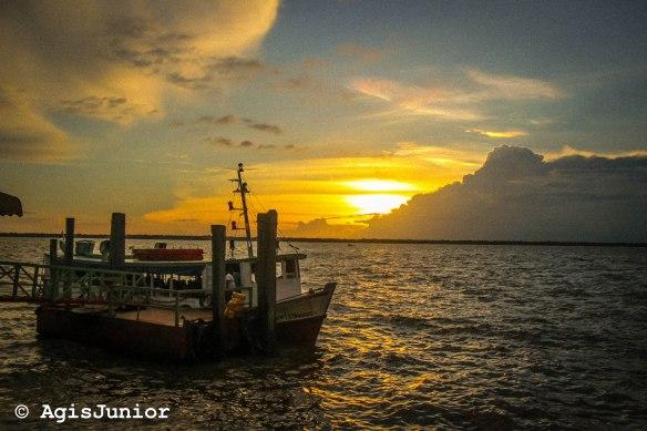 por do sol barco